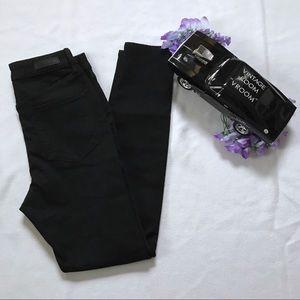 Social Standard Sanctuary NWOT Black Skinny Jeans